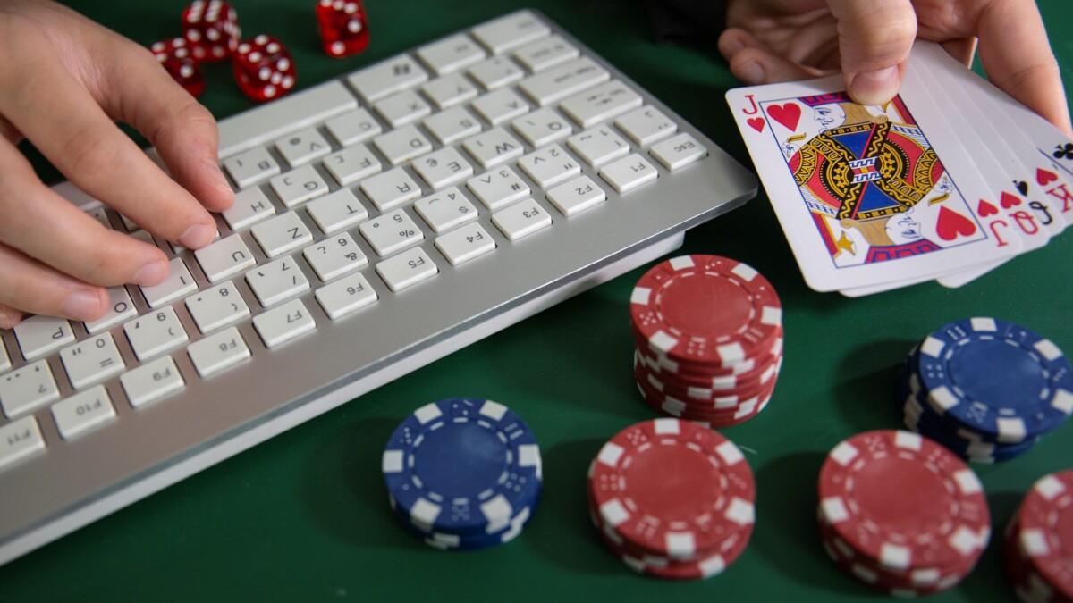 Гра в онлайн-казино Космолот на гроші і безкоштовно. Різноманітний контент і багато бонусів